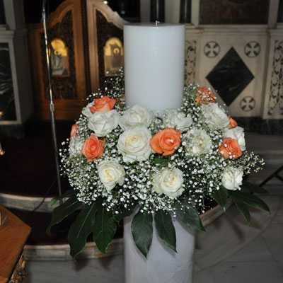 Λαμπάδες γάμου σε λευκό και πορτοκαλί τριαντάφυλλα