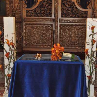 Λαμπάδες γάμου και νυφική ανθοδέσμη