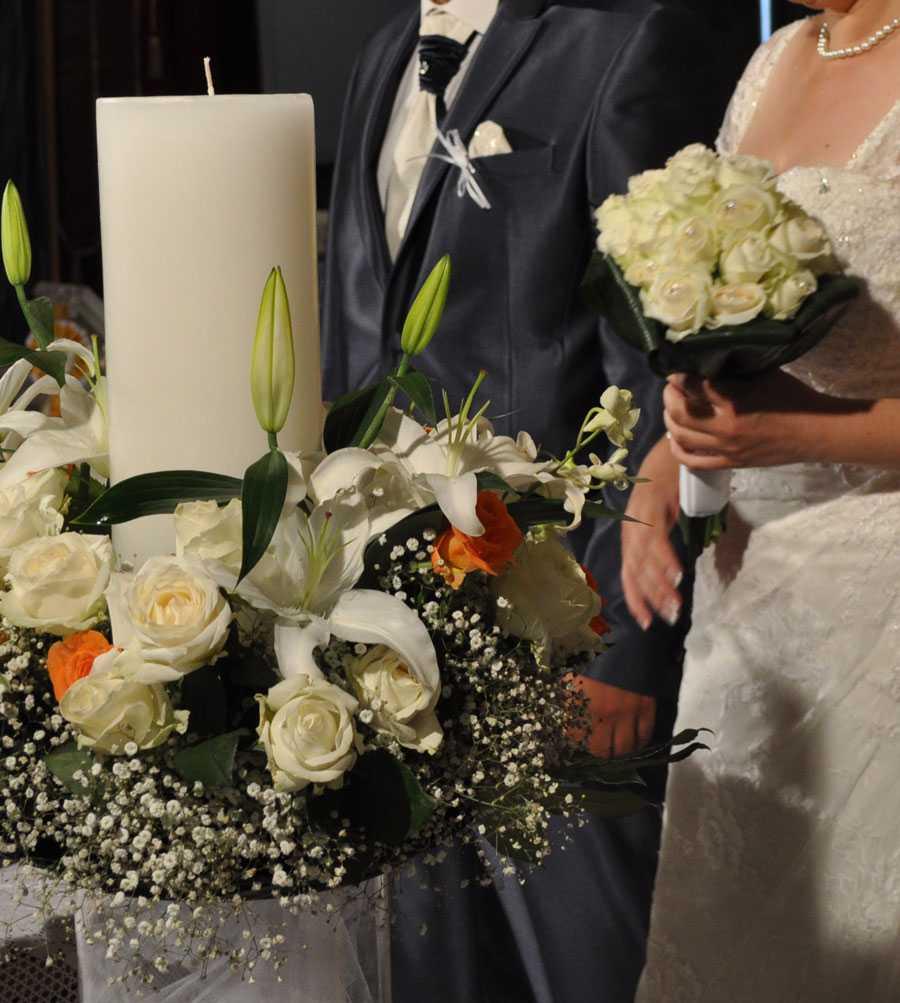 Λαμπάδες γάμου και νυφικό μπουκέτο