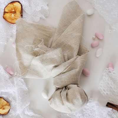 Μπομπονιέρα γάμου μαντήλι λινό της άμμου (gdg1)