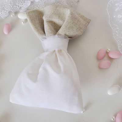 Μπομπονιέρα γάμου πουγκί με λινό ύφασμα gdg25)