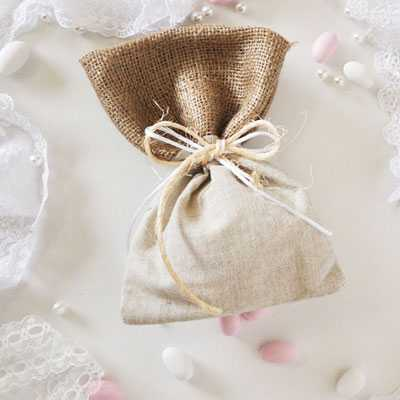 Μπομπονιέρα γάμου πουγκί με λινάτσα και λινό (gdg42)