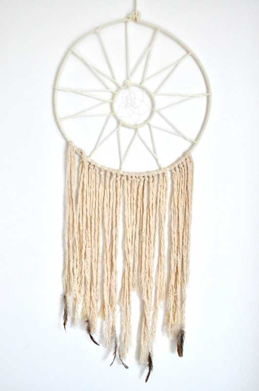 handmade-dreamcatcher-wedding-decorations9