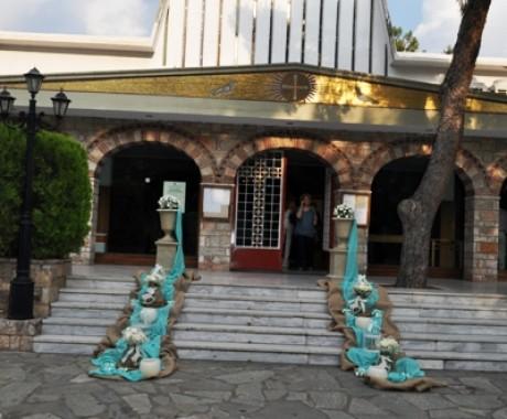 Βάπτιση με θέμα το αλογάκι στον Ιερό Ναό Τιμίου Σταυρού ,Παπάγου