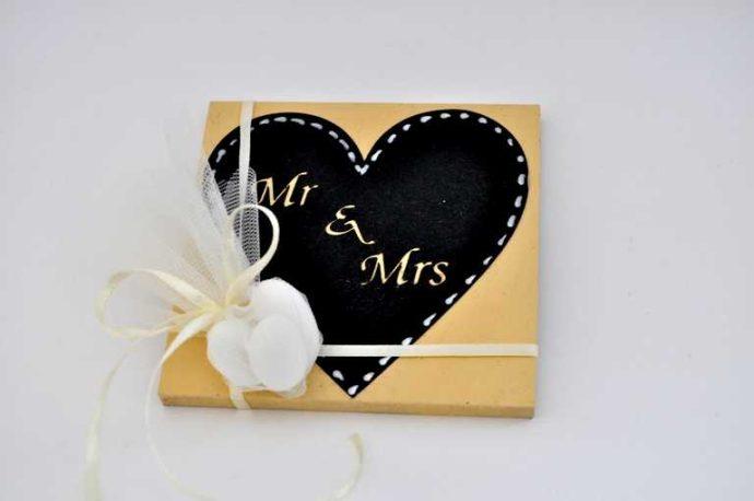 Χειροποίητη μπομπονιέρα Mr & Mrs (xbkf17.09)