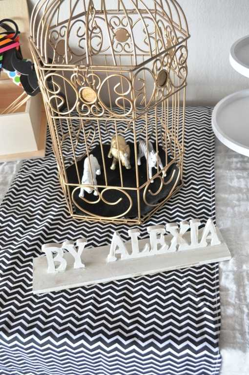 Βaby shower decoration black gold