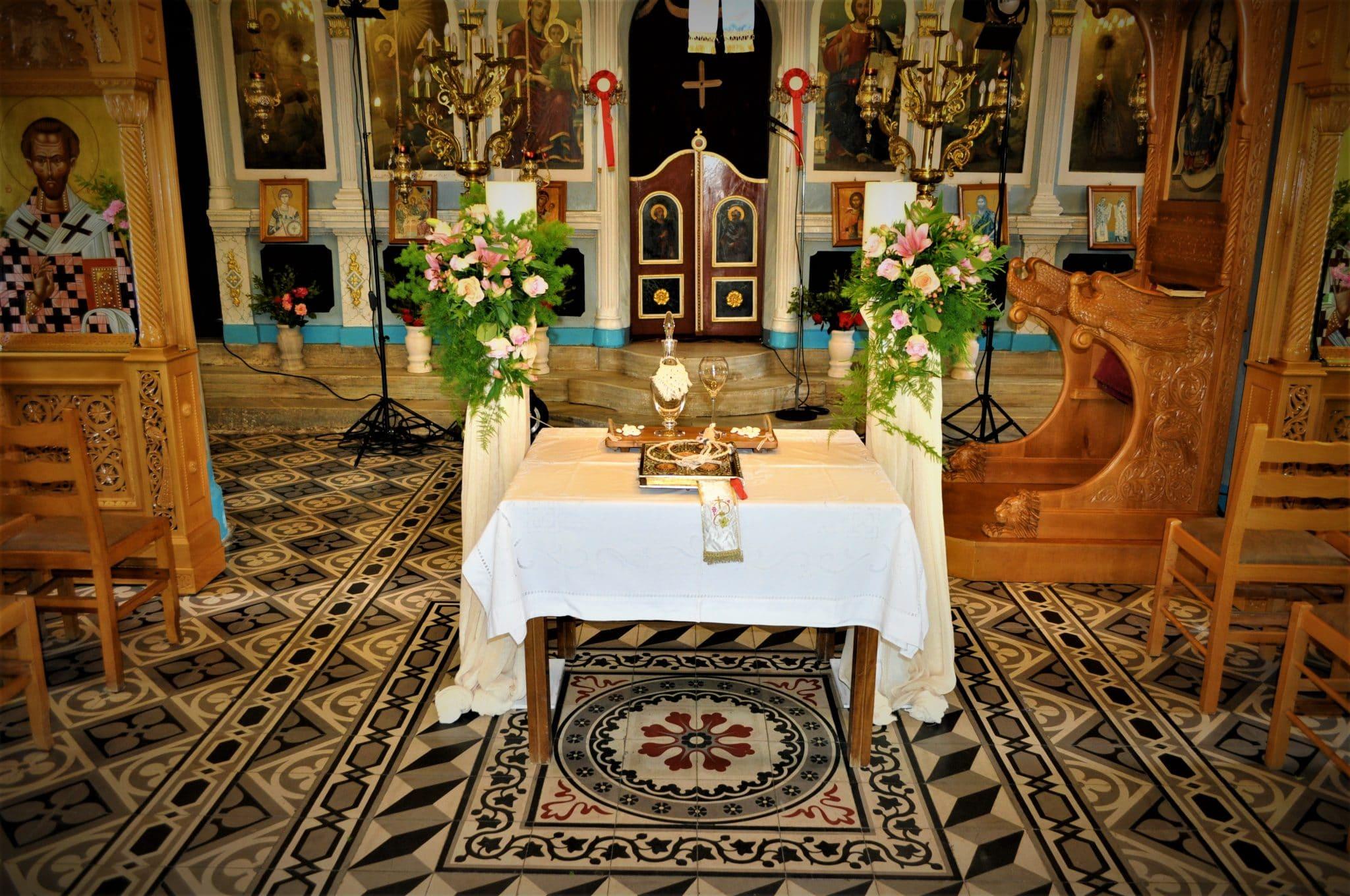 Εσωτερικός στολισμός εκκλησίας γάμος boho στην Εύβοια