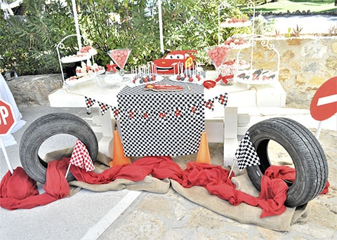 Τραπέζι ευχών με θέμα ΜcQueen