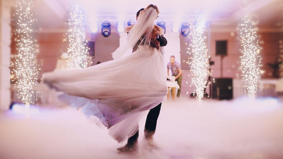 Γαμήλιος Χορός: Λάμψτε με τη Βοήθεια Επαγγελματία Χορογράφου