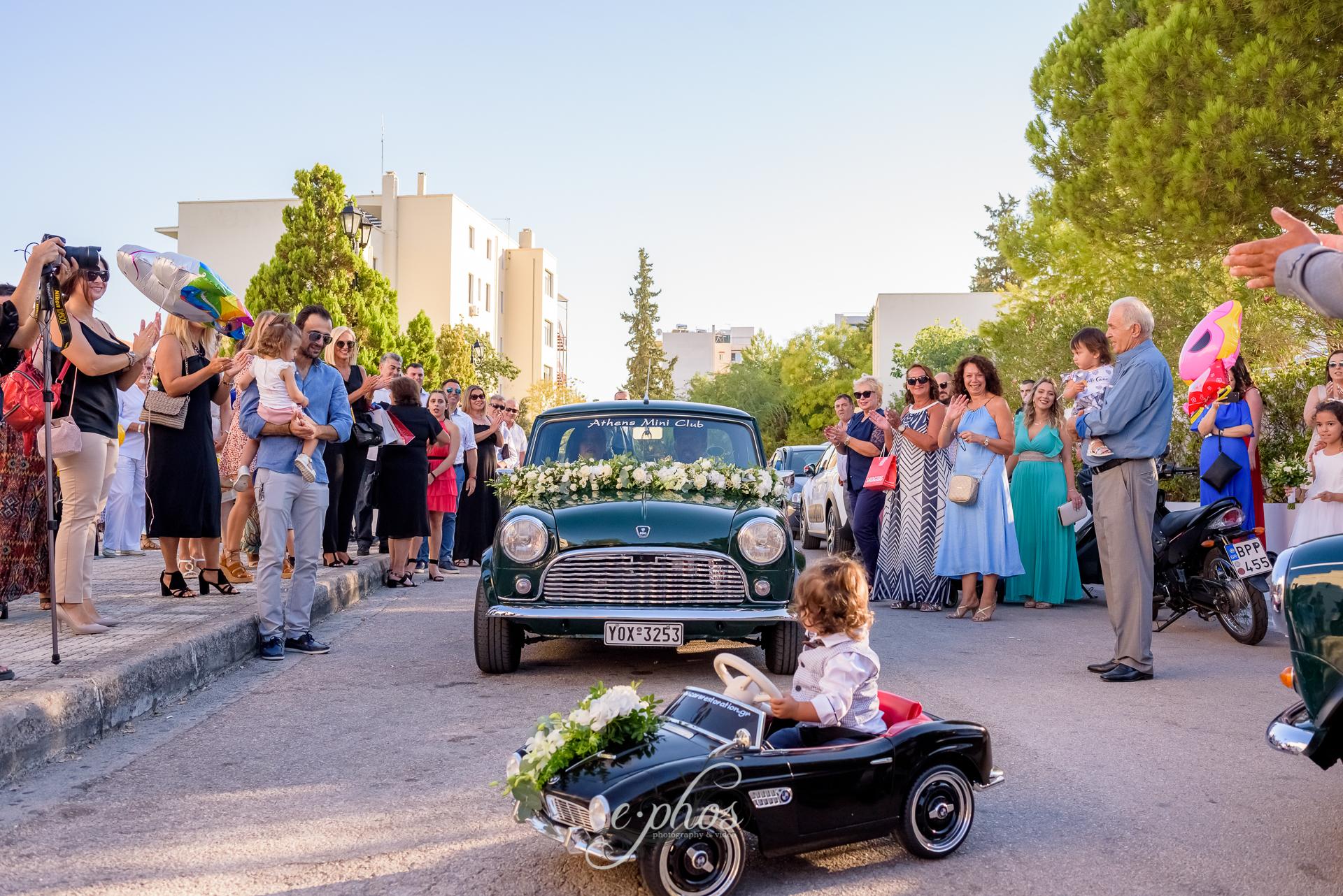 Γάμος και Βάπτιση Mini Cooper στον Ι.Ν Αγίας Βαρβάρας